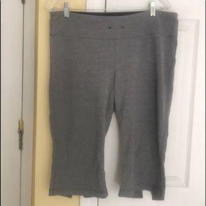 Women's yoga capris pants